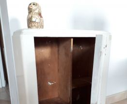 Ancienne armoire à Pharmacie