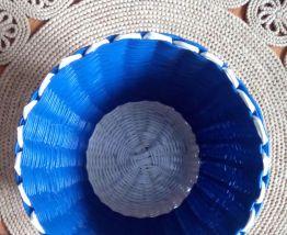 Joli cache pot en scoubidou - Années 60/70