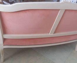 Canapé corbeille de style louis XVI