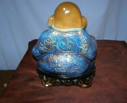 Art: ancienne sculpture en pierre Bouddha