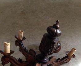 Lustre suspension en bois sculté