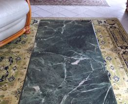Table basse marbre vert des Alpes