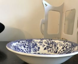 Assiette ancienne creuse en faïence (Ironstone Tableware)