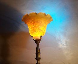 grande lampe calice  pied laiton et pate de verre 1930 art d
