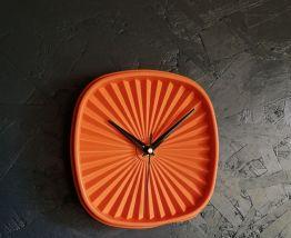 """Horloge vintage, pendule vintage """"Tupp orange"""""""