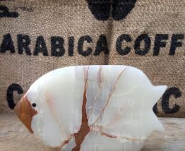 Joli poisson sculpté en onyx
