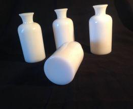 4 petits vases