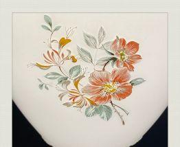 Balladeuse verre blanc, motifs délicats roses et feuillage