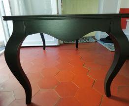 Table basse tres stylée relookée shabby noir poudré