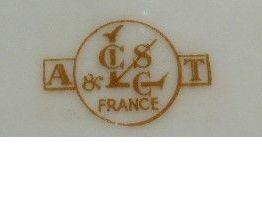 "¨Plat  motif Fleurs  LCEG France année ""50"""