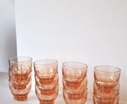 12 petits verres rosés