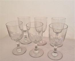 6 verres à vin , verre taillés