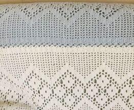Grand plaid au crochet laine blanc-bleu