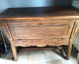 Ancien meuble à petrin