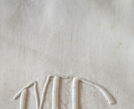 Drap ancien lin brodé avec jours 2 x 3 mètres en bon état,