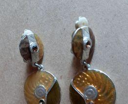 Jolie paire de boucles d'oreilles graphiques à clip vintage