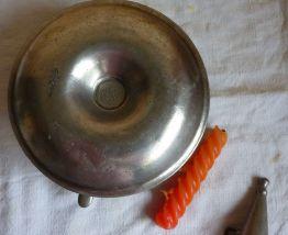 Bougeoir à main vintage en étain garanti avec mouchette