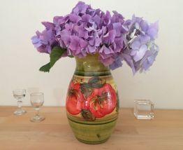 Vase Vintage, Un Impressionnant vase Coloré Avec des Fleurs