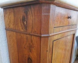 Table de chevet en noyer et marbre 40x29x76