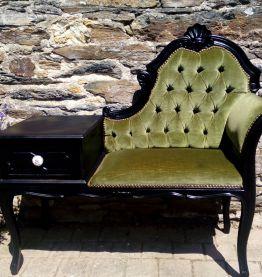 Ancien fauteuil téléphone en velours