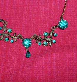 Colliers style victorien fleur feuille diamant rose paris