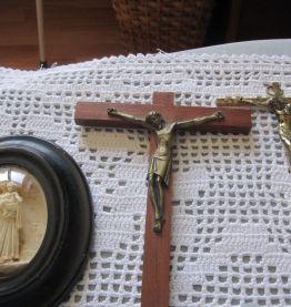 Croix, crucifix, ste Thérèse, Vierge de la Garde....