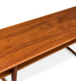 Table basse avec pieds en V