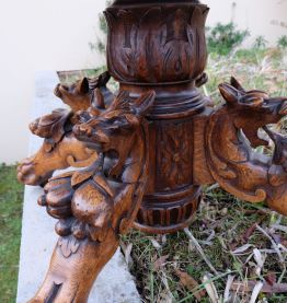 SALLE A MANGER, en chêne, sculptée