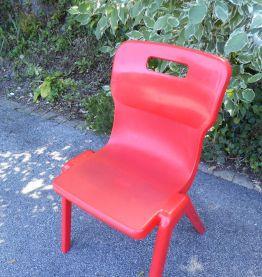 série de 4 chaises rouges