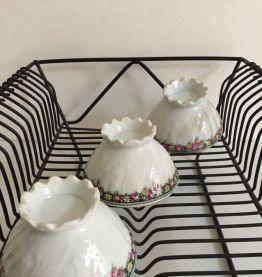 Ensemble de trois petits bols à café