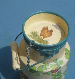 pot a lait en alu Tournus ,ancien peint