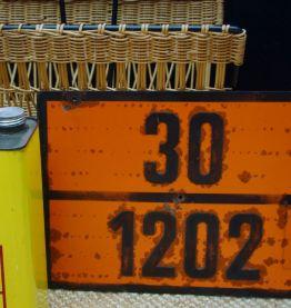Plaque métal industrielle produits inflammables