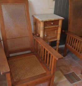 Paire fauteuils 1920 origine Madagascar