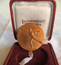 Médaille Bronze bouliste pétanque signée H Demey
