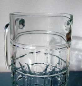 Carafe en verre effet diamant
