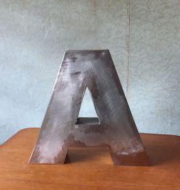 Lettre A en metal