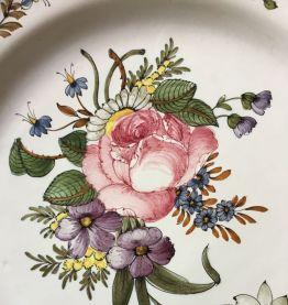 Assiette décorative de Moustier