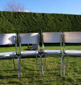 Chaises en polyéthylène années 70