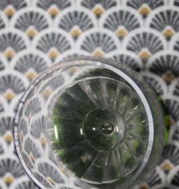 4 verres à liqueur anciens à pied de couleur verte