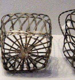 3 petits panier en fil de fer modelés art nouveau style