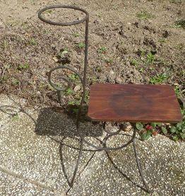 porte plante  ancien  en fer  forgé