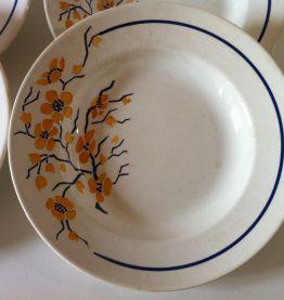 8 assiettes creuses faïence ancienne Givors