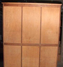 Anciens meubles à rideaux