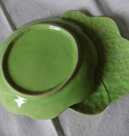 2 assiettes feuilles façon barbotine verte