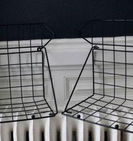 Etagères d'angle métal grillagé noir