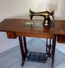ANCIENNE MACHINE A COUDRE SINGER 1920