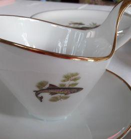 Service porcelaine ancienne Thème Poissons