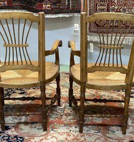 Paire de fauteuils campagnards en merisier