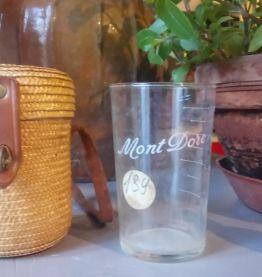 """Ancien verre de curiste """"Mont dore"""" et son étui en paille -"""