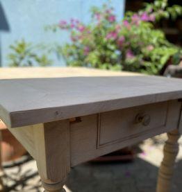 Table en bois ancienne